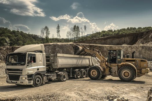 HEAVY CONSTRUCTION EQUIPMENT AND AUTOMOBILE OPERATORS AND DRIVERS