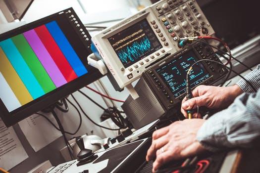 ELECTRONIC ENGINEERING EQUIPMENT & COMPONENTS WORKSHOP MAINTENANCE STAFF